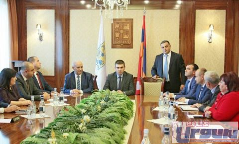 GRIGORY MARTIROSYAN PRESENTS NEW MAYOR OF STEPANAKERT