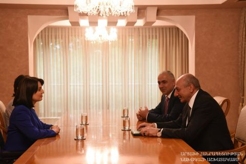 Artsakh Republic President Bako Sahakyan received minister of Labor and Social Affairs of the Republic of Armenia Zarouhi Batoyan and deputy minister Zhanna Andreasyan