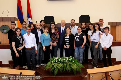 Vahram Balayan Met with a Group of Master Students