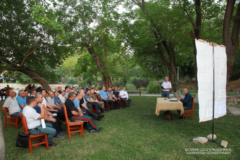 President Bako Sahakyan convened an enlarged consultation in Tigranakert dedicated to the issues of agriculture development and solution of the problems the sphere faced