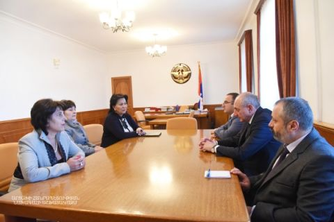 "Meeting with representatives of the ""Mother Armenia XXI"" organization"