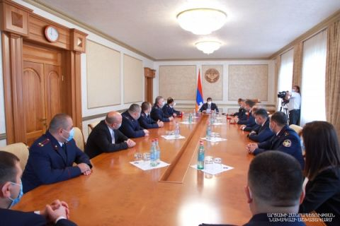 Arayik Harutyunyan handed in high state awards to a group of Artsakh Republic Investigation Committee employees on the occasion of their professional holiday