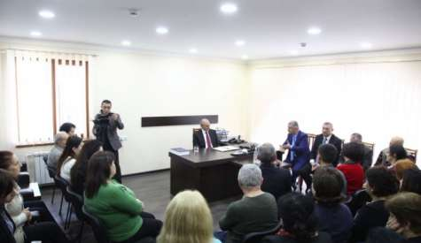 """Meeting with the staff of """"Azat Artsakh"""" newspaper"""